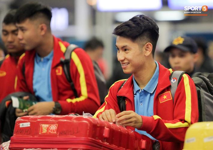 Đình Trọng, Trọng Đại thần thái ngày hội quân, U22 Việt Nam mang nguyên dàn trai đẹp sang Hàn Quốc tập huấn - Ảnh 8.