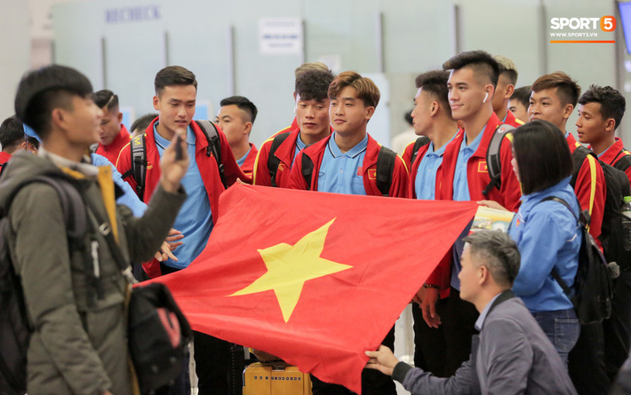 Đình Trọng, Trọng Đại thần thái ngày hội quân, U22 Việt Nam mang nguyên dàn trai đẹp sang Hàn Quốc tập huấn - Ảnh 11.