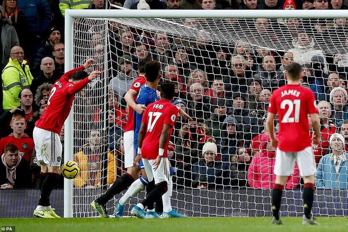 Man United đứt mạch chiến thắng, Mourinho đưa Tottenham áp sát top 4 - Ảnh 1.