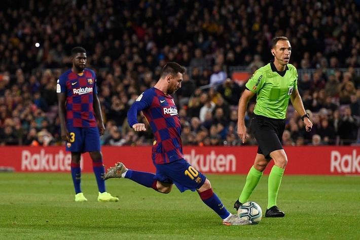 Siêu kinh điển: Messi, ác mộng của Real Madrid - Ảnh 3.