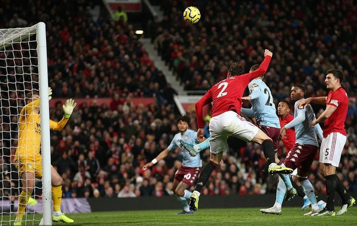 Mất điểm ngỡ ngàng sân nhà, Man United ngày càng xa Top 4  - Ảnh 4.