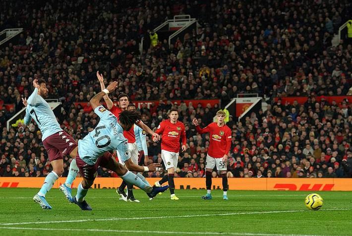 Mất điểm ngỡ ngàng sân nhà, Man United ngày càng xa Top 4  - Ảnh 5.