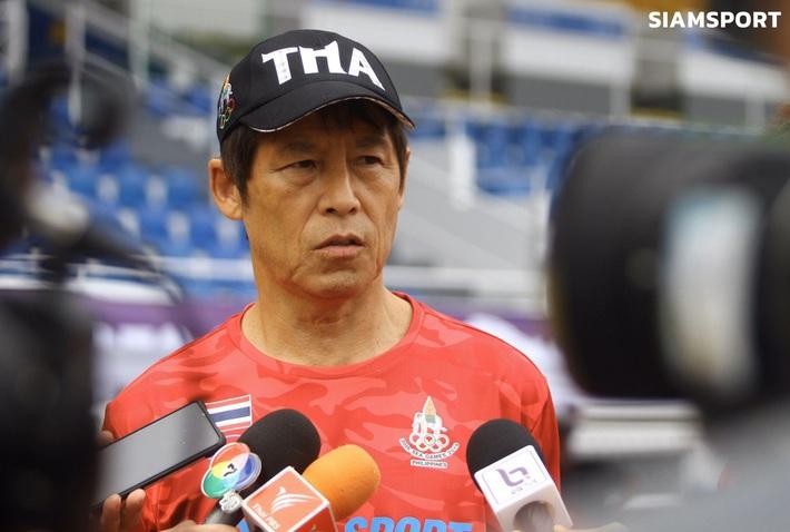 HLV Nishino đưa ra lời cảnh báo đáng lo ngại sau chuyến do thám U22 Việt Nam - Ảnh 1.