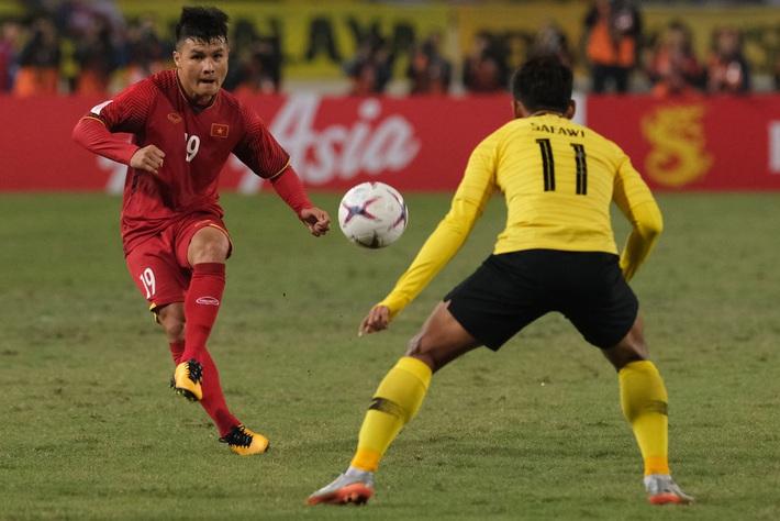 Ăn đứt Thái Lan, song Việt Nam vẫn xếp dưới 2 đội bóng Đông Nam Á về thăng tiến trong năm - Ảnh 3.