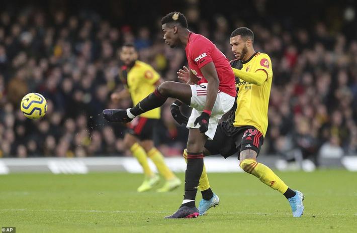 De Gea mắc sai lầm thảm họa, Man United cúi đầu rời sân của đội bét bảng - Ảnh 8.