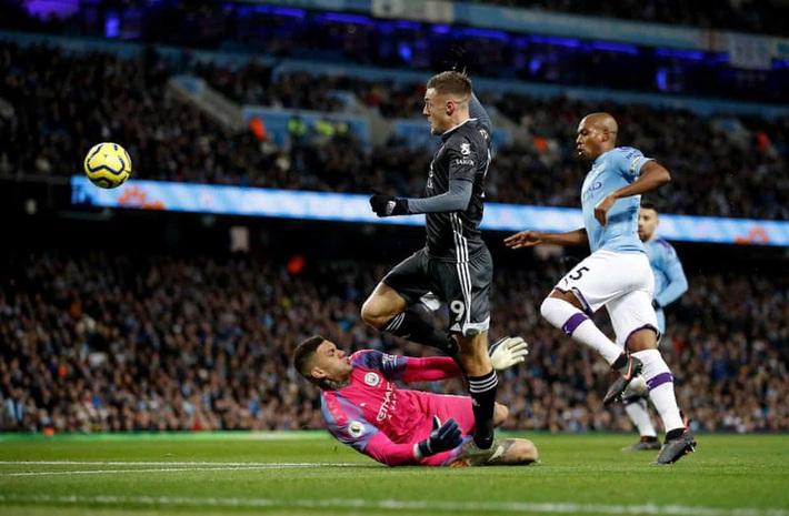 Mahrez gieo sầu cho đội bóng cũ, Man City thắng ngược Leicester - Ảnh 2.