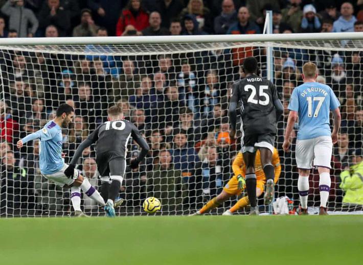 Mahrez gieo sầu cho đội bóng cũ, Man City thắng ngược Leicester - Ảnh 4.