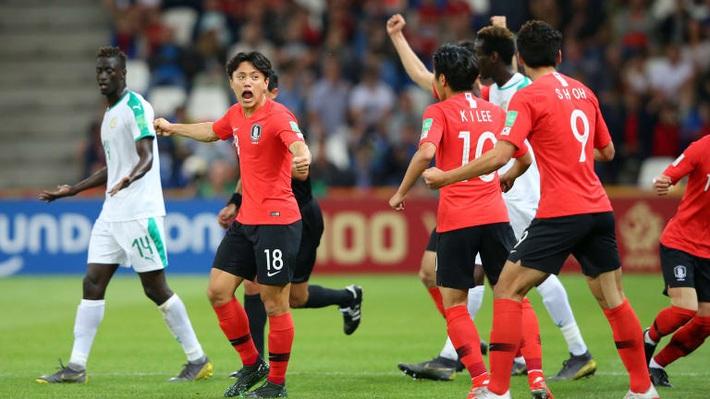 FIFA đưa Việt Nam vào danh sách 12 đội tuyển gây ngạc nhiên nhất thế giới năm 2019 - Ảnh 3.
