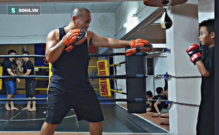 Võ sĩ Vịnh Xuân Việt Nam tung cú đấm tuyệt đỉnh hạ đo ván đấu sĩ Muay Thái - Ảnh 3.