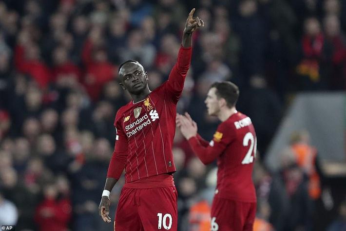 Được VAR đồng hành trong chiến thắng nghẹt thở, Liverpool gieo nỗi tuyệt vọng khắp nước Anh - Ảnh 1.