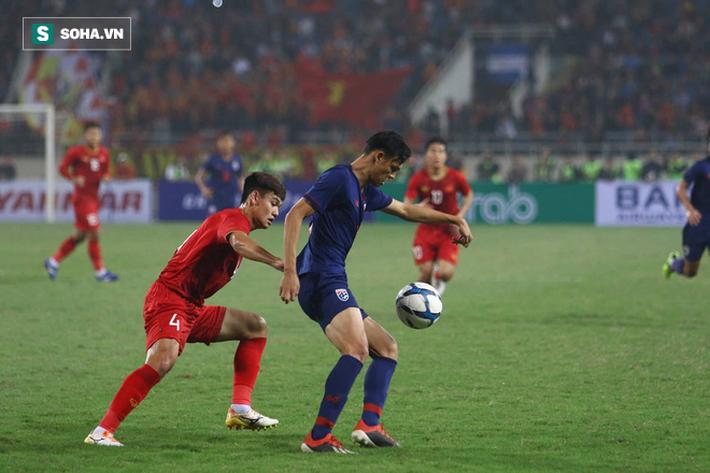 Nghịch lý: Thái Lan nhận thẻ đỏ vẫn được thi đấu, Việt Nam lãnh thẻ vàng lại bị treo giò - Ảnh 2.