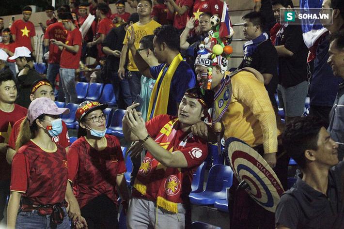 CĐV Thái Lan ở Binan: Bị loại chẳng phải thảm họa gì, hẹn Việt Nam tại CK bóng đá nữ - Ảnh 3.