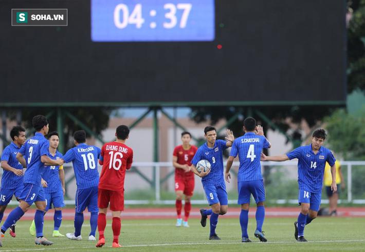Thầy trò HLV Park Hang-seo đoạt vé siêu ngoạn mục sau hai cú đấm sớm từ người Thái - Ảnh 3.