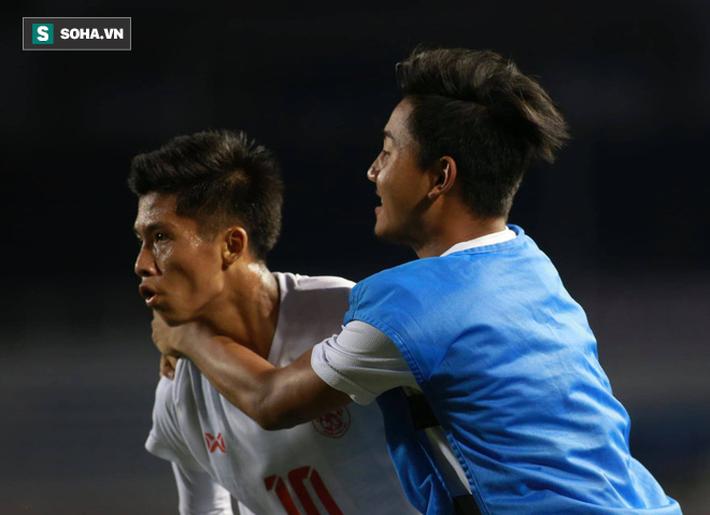 Thủ môn sai lầm cực kỳ ngớ ngẩn, U22 Indonesia tiếp thêm động lực cho thầy trò ông Park - Ảnh 4.