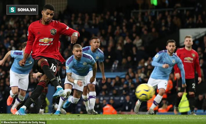Chiến thắng hào hùng ngay tại Etihad, Man United phá tan mộng vô địch của Man City - Ảnh 1.