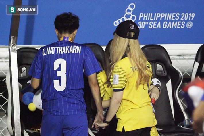 Trợ lý xinh đẹp Thái Lan khóc hết nước mắt, chết lặng khi nhìn Việt Nam nhận HCV SEA Games - Ảnh 12.