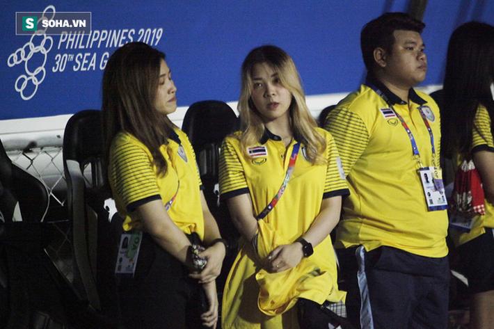 Trợ lý xinh đẹp Thái Lan khóc hết nước mắt, chết lặng khi nhìn Việt Nam nhận HCV SEA Games - Ảnh 10.