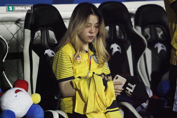 Trợ lý xinh đẹp Thái Lan khóc hết nước mắt, chết lặng khi nhìn Việt Nam nhận HCV SEA Games - Ảnh 6.