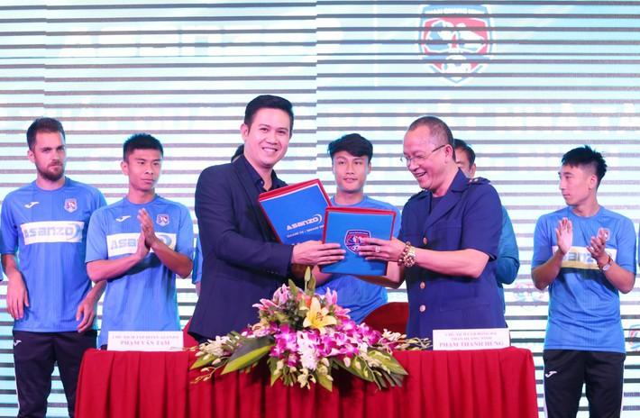Bầu Tam chi 20 tỷ đồng cho CLB Bóng đá Quảng Ninh trước mùa giải 2019 - Ảnh 1.