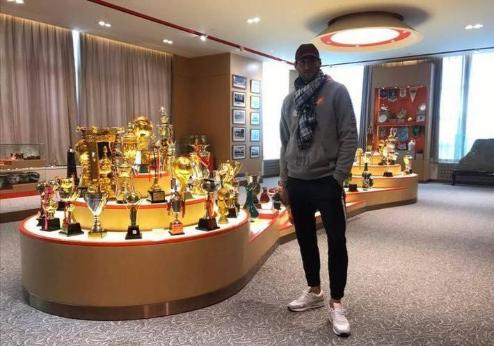 Lộ ảnh tập luyện tại Trung Quốc, cựu sao Manchester United sẵn sàng đối đầu Quang Hải, Duy Mạnh - Ảnh 1.