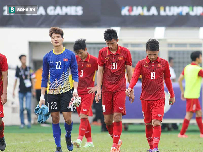Từ lời than thở của thầy Park, đừng để bóng đá Việt Nam lâm cảnh tiếc vàng, mất em - Ảnh 1.