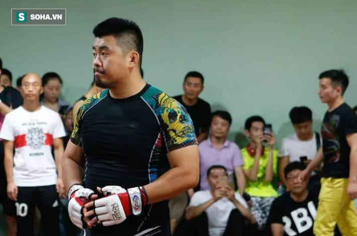 """Sau màn thách đấu, Yi Long """"lật kèo"""", dùng Mike Tyson để mỉa mai thậm tệ Từ Hiểu Đông - Ảnh 2."""
