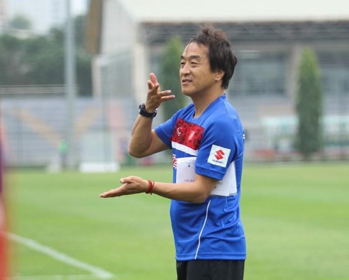Trợ lý tuyển quốc gia lên làm HLV trưởng U22 không phải chuyện lạ, Thái Lan từng làm điều này và liên tiếp thành công ở SEA Games - Ảnh 1.