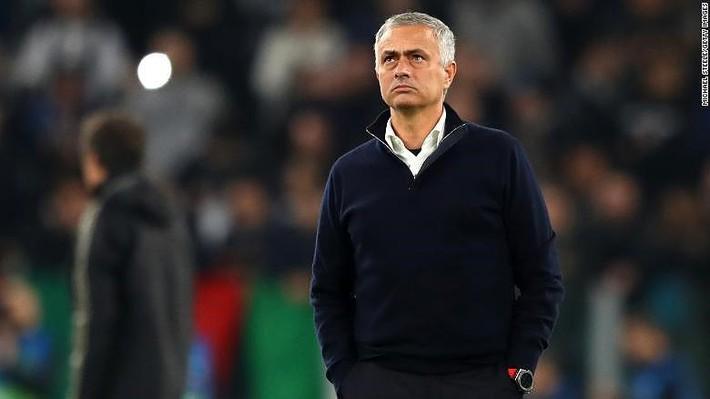 """Mourinho: """"Muốn tôi dẫn dắt thì phải yêu quý tôi"""" - Ảnh 1."""