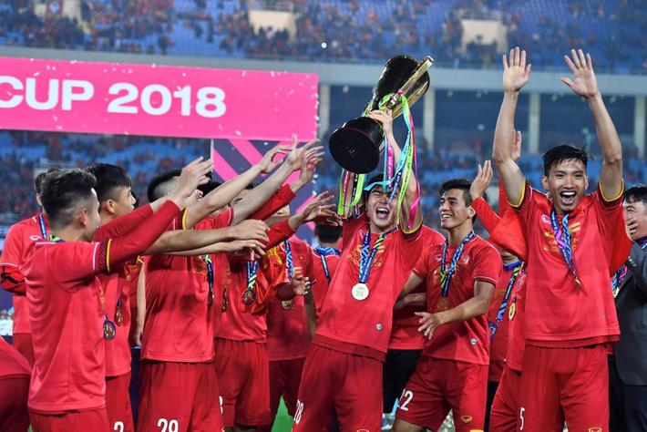 Bầu Hiển chi núi tiền chỉ để Hà Nội vô địch V-League mãi sao? - Ảnh 1.