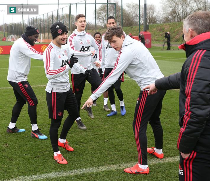 Man United đích thực trở lại: Solskjaer xây tương lai từ di sản đầy kiêu hãnh  - Ảnh 5.