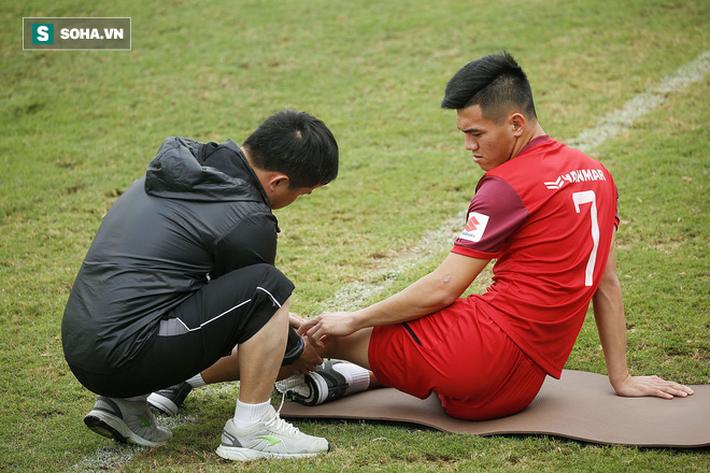 HLV Park Hang-seo đăm chiêu trước chấn thương dai dẳng của Vua phá lưới nội V.League 2018 - Ảnh 8.