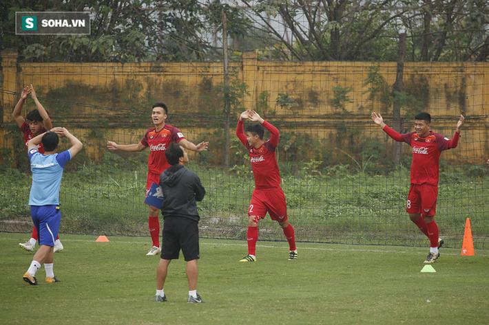 HLV Park Hang-seo đăm chiêu trước chấn thương dai dẳng của Vua phá lưới nội V.League 2018 - Ảnh 10.