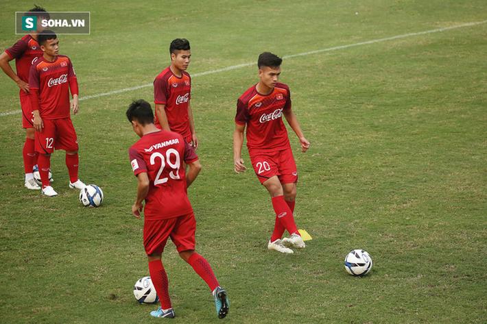 HLV Park Hang-seo đăm chiêu trước chấn thương dai dẳng của Vua phá lưới nội V.League 2018 - Ảnh 2.