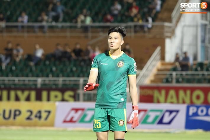 Lâu lắm rồi mới được thấy Văn Hoàng U23 phong độ và rạng ngời trên sân cỏ như thế - Ảnh 5.