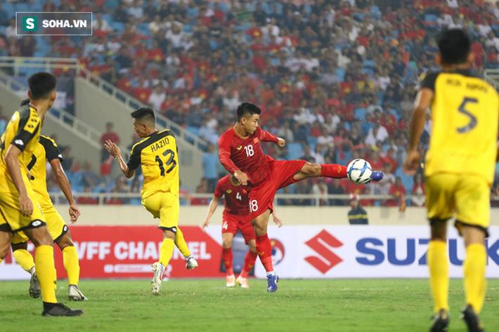 Tính toán kỳ lạ phía sau màn tung Đình Trọng vào sân của HLV Park Hang-seo - Ảnh 3.