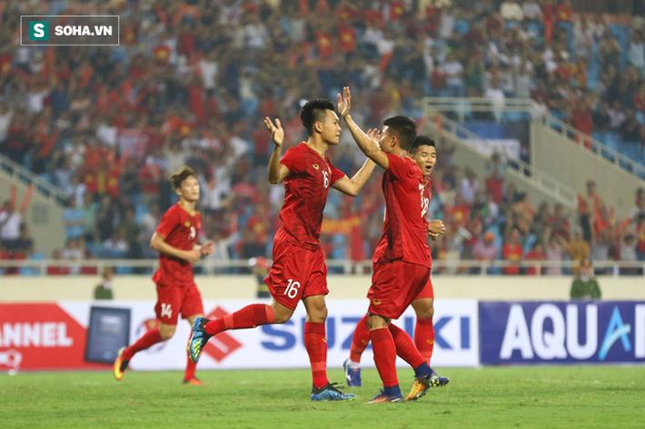 Tính toán kỳ lạ phía sau màn tung Đình Trọng vào sân của HLV Park Hang-seo - Ảnh 2.