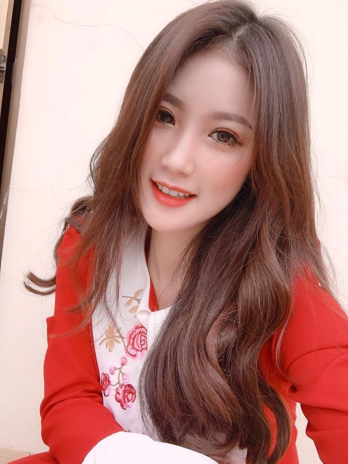 Lộ diện người đẹp trên khán đài khiến fan Việt Nam ngẩn ngơ - Ảnh 5.