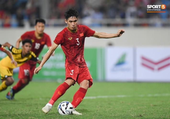 HLV trưởng nói gì về cơ hội đá chính của Tấn Sinh tại CLB Quảng Nam sau vòng loại U23 châu Á 2020? - Ảnh 1.