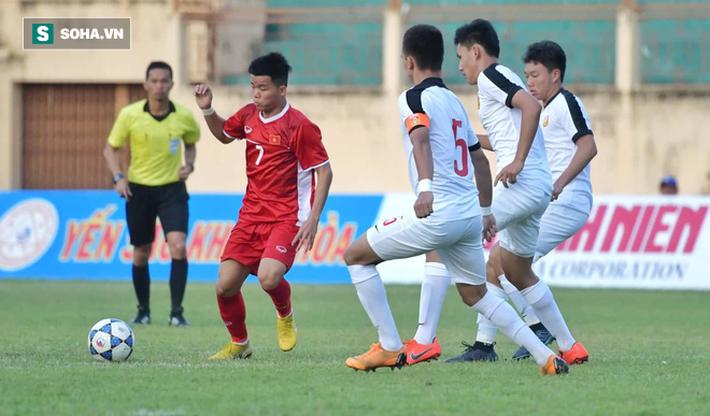 Cãi lời mẹ, Cơn lốc đường biên của U19 Việt Nam muốn được như Neymar, Coutinho - Ảnh 2.
