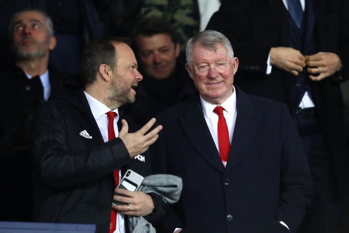 Xúc động hình ảnh cha già Alex Ferguson mỉm cười mãn nguyện, nhìn đàn con MU làm nên kỳ tích trước PSG - Ảnh 3.