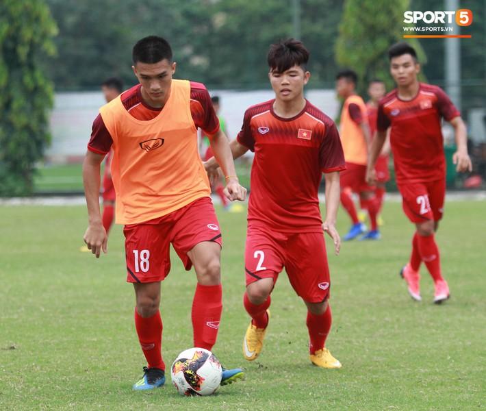 U18 Việt Nam thích thú với bài tập lạ của HLV Hoàng Anh Tuấn - Ảnh 13.