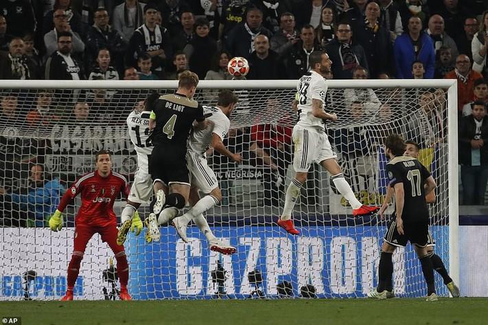 Ronaldo lập công, nhưng Juventus phải quỳ gối trước vũ điệu siêu đẳng của Ajax - Ảnh 3.