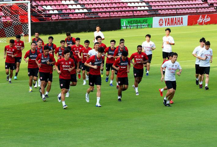 Đặng Văn Lâm sẵn sàng cho màn ra mắt HLV mới ở Muangthong United - Ảnh 2.