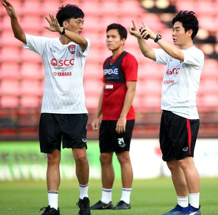 Đặng Văn Lâm sẵn sàng cho màn ra mắt HLV mới ở Muangthong United - Ảnh 3.