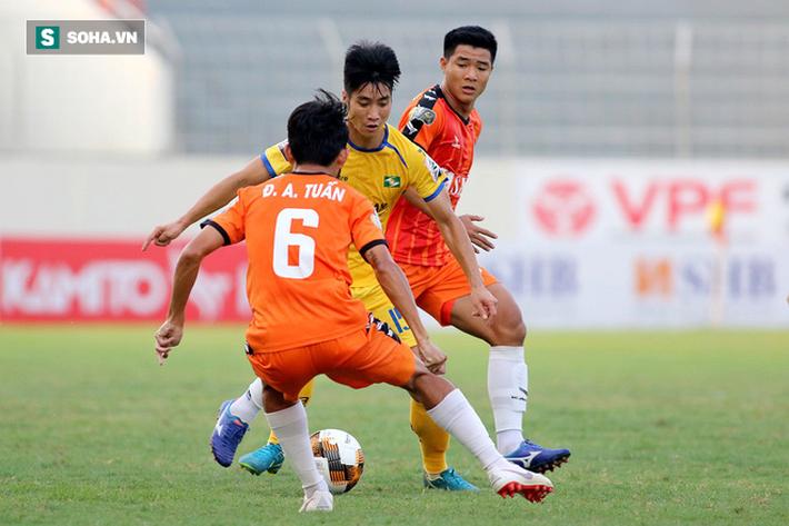HLV Park Hang-seo nhận hung tin về Hà Đức Chinh - Ảnh 1.
