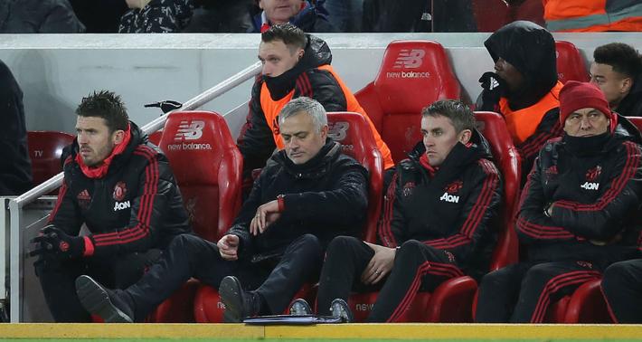 Rốt cuộc với Man United, Mourinho vẫn là kẻ mỉm cười sau cùng - Ảnh 1.