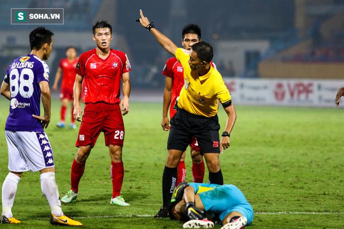 Thám sát V.League, thầy Park đã tìm được nhân tố khiến thủ môn Bùi Tiến Dũng phải lo lắng - Ảnh 8.