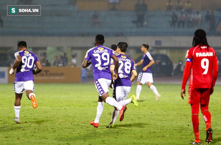 Câu hỏi đầy nhức nhối sau chuyện người bị loại khỏi Thai League về làm trùm V.League - Ảnh 1.