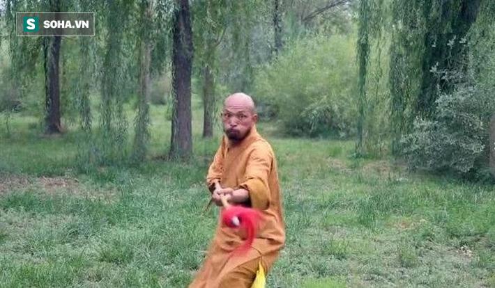 Kẻ đấm ngất võ sư Võ Đang sau 5 giây bất ngờ thách đấu Đệ nhất hộ pháp Thiếu Lâm Tự - Ảnh 1.