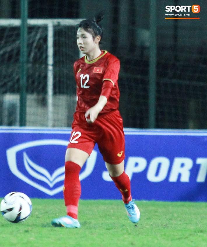 Hot girl của U19 Việt Nam đượm buồn vì không thể giúp đội nhà chiến thắng - Ảnh 5.